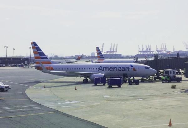 アメリカン航空の飛行機